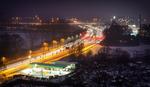 Sneeuw nabij de Kempenbaan in de nacht